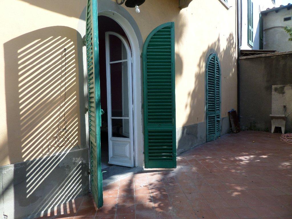 Appartamento in vendita a Castelfranco di Sotto, 5 locali, prezzo € 120.000 | CambioCasa.it