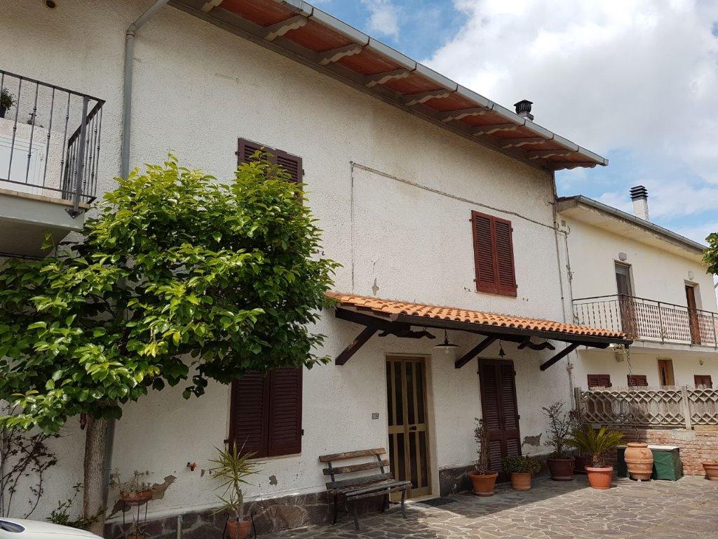 Soluzione Indipendente in vendita a Santa Maria a Monte, 5 locali, prezzo € 140.000   CambioCasa.it
