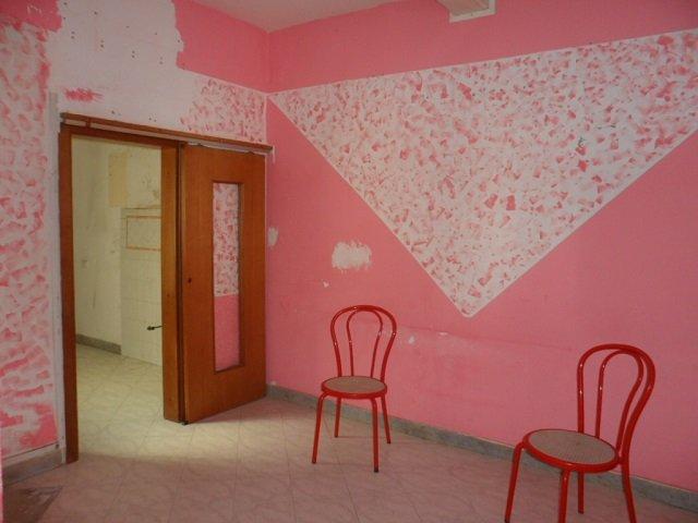Soluzione Indipendente in vendita a Viareggio, 5 locali, prezzo € 145.000 | CambioCasa.it