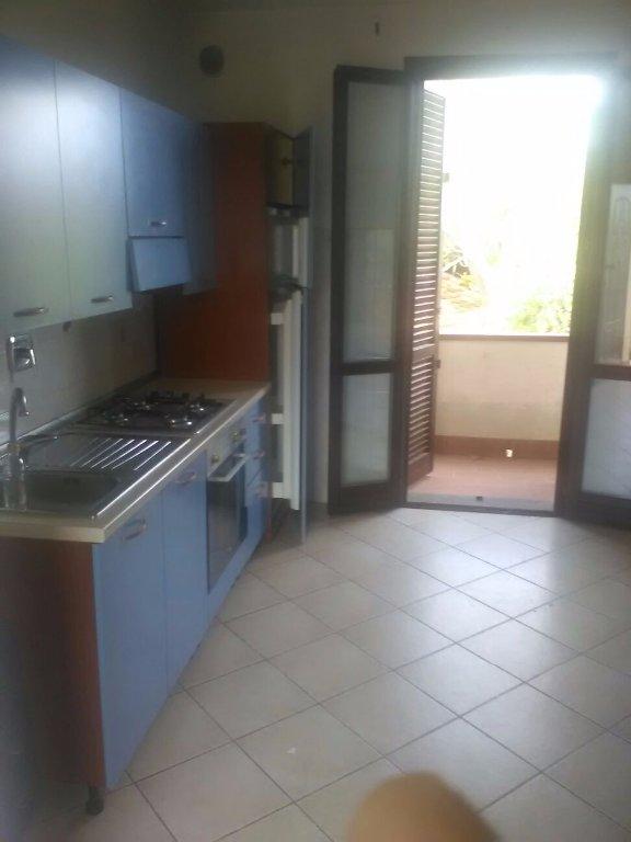 Appartamento in affitto a Pontedera, 2 locali, prezzo € 500   CambioCasa.it