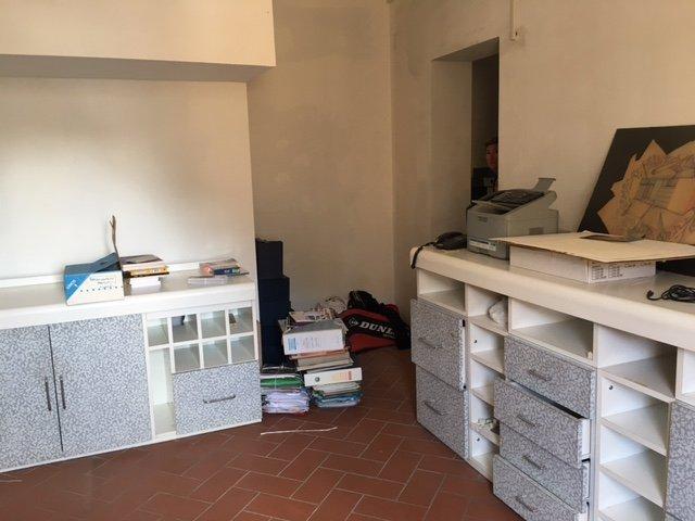 Ufficio / Studio in vendita a Pontedera, 4 locali, prezzo € 155.000 | CambioCasa.it