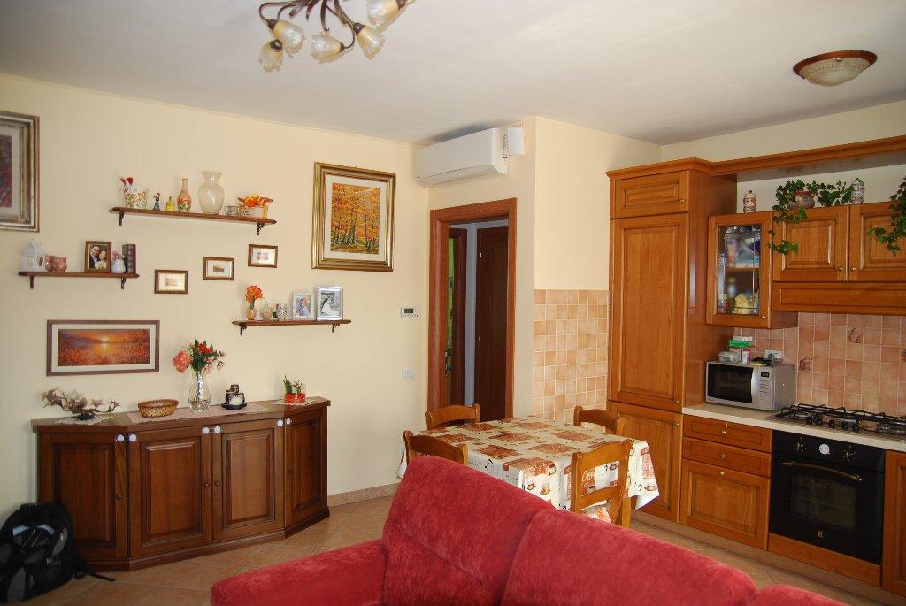 Appartamento in vendita a Pistoia, 3 locali, prezzo € 199.000 | CambioCasa.it