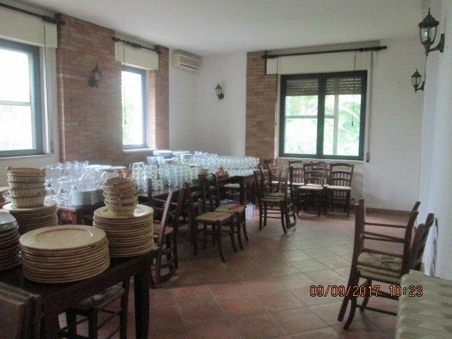 Negozio / Locale in Affitto a San Giuliano Terme