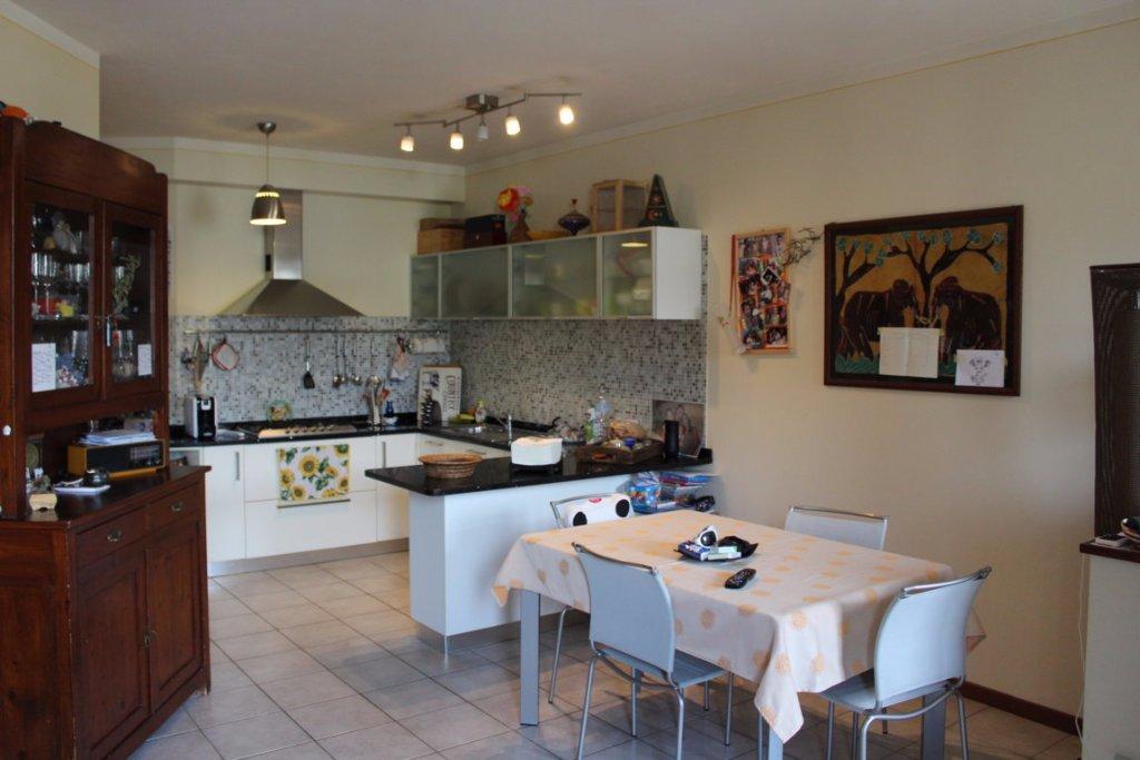 Appartamento in vendita a Pistoia, 4 locali, prezzo € 195.000 | CambioCasa.it