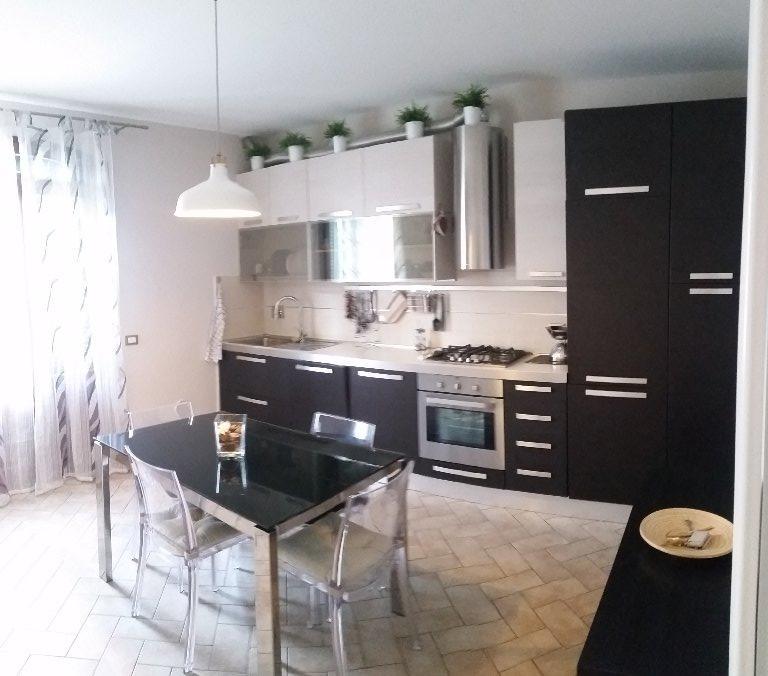 Appartamento in affitto a Cascina, 2 locali, prezzo € 500 | CambioCasa.it