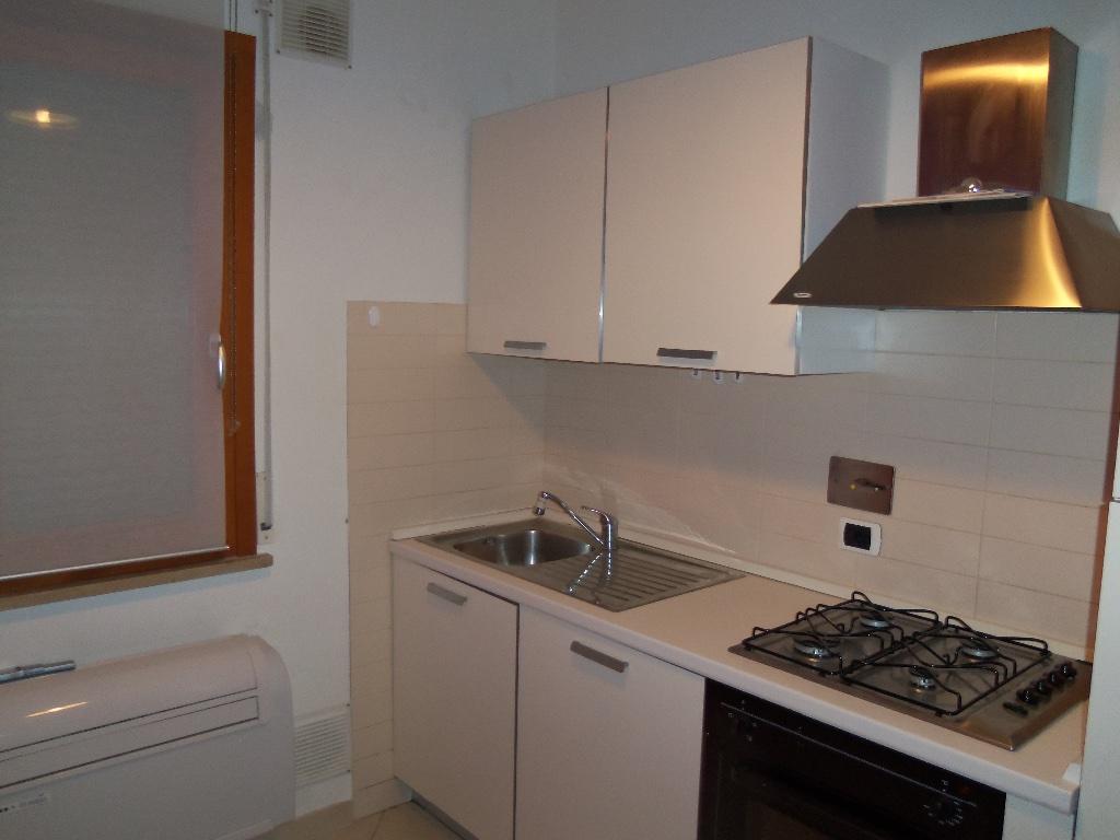 Appartamento in affitto, rif. a39/112