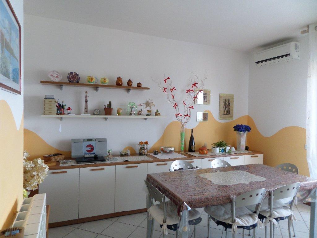 Appartamento in vendita a Montopoli in Val d'Arno, 5 locali, prezzo € 145.000 | CambioCasa.it