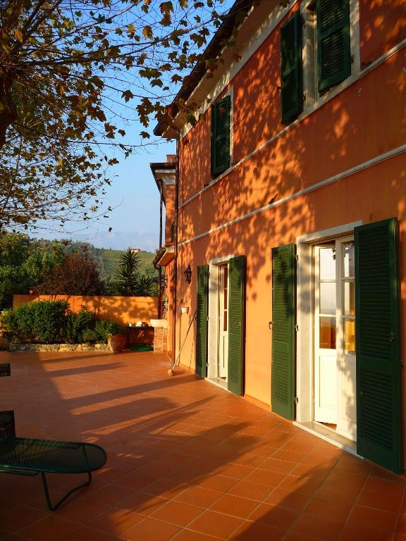 Casa semindipendente in vendita a Nazzano, Carrara (MS)