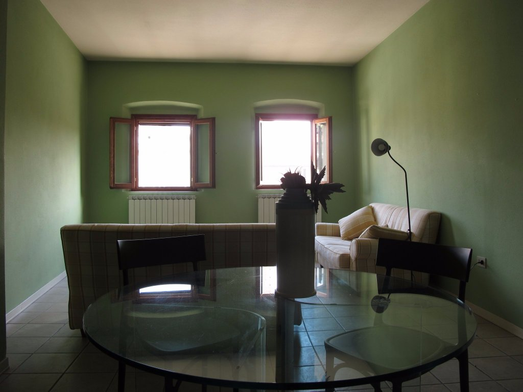 Locale comm.le/Fondo in affitto, rif. 570