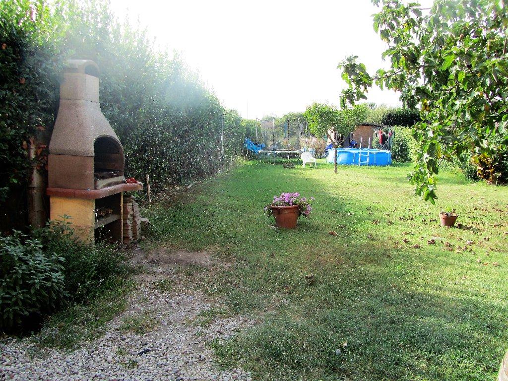 Rustico / Casale in vendita a Cascina, 8 locali, prezzo € 350.000   CambioCasa.it