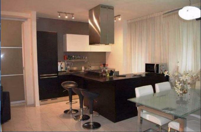 Appartamento in vendita a Santo Stefano di Magra, 4 locali, prezzo € 149.000 | CambioCasa.it