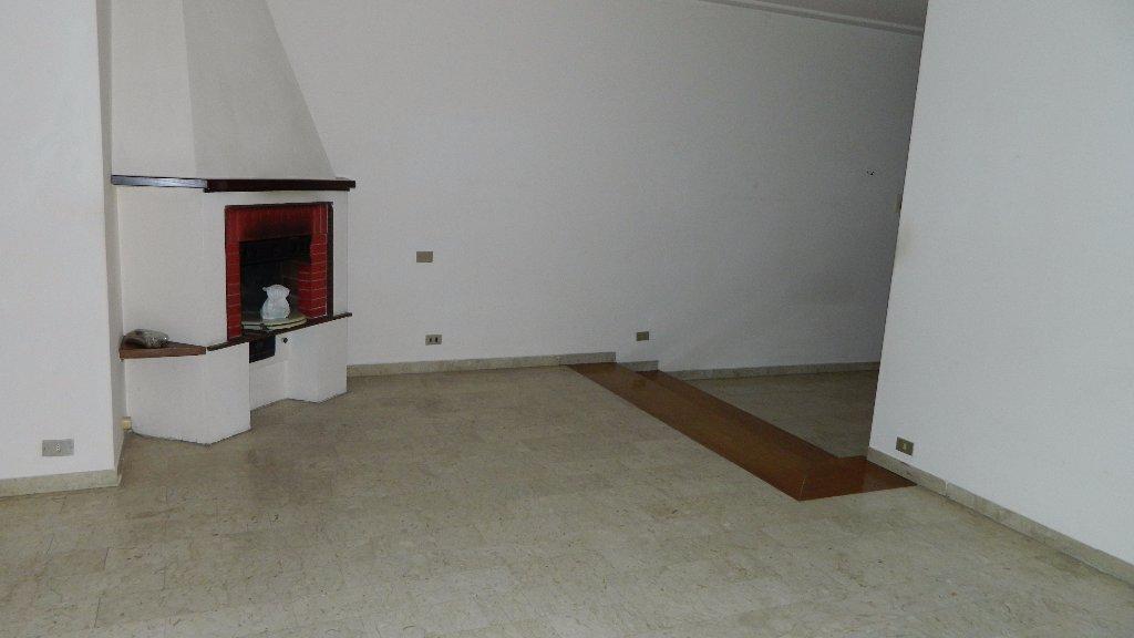 Appartamento in affitto a Castelnuovo Magra, 5 locali, prezzo € 550   CambioCasa.it