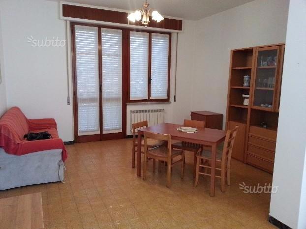 Appartamento in affitto a Pontremoli, 6 locali, prezzo € 550 | CambioCasa.it