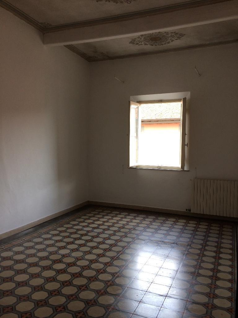 Appartamento in affitto a Cascina, 5 locali, prezzo € 650 | CambioCasa.it