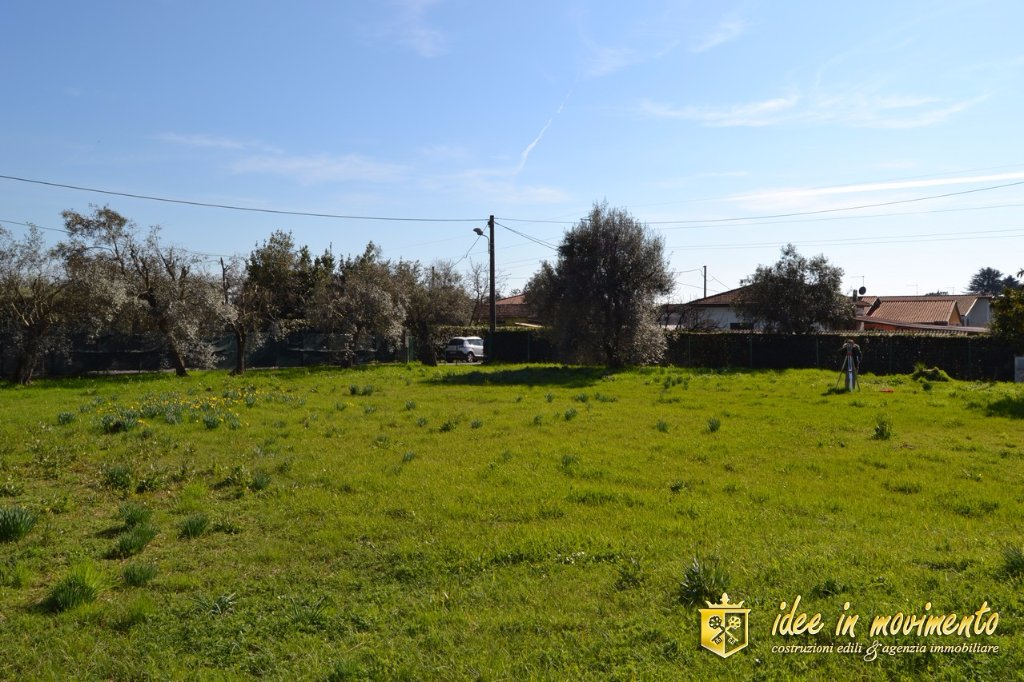 Terreno edif. residenziale in vendita a Montignoso (MS)