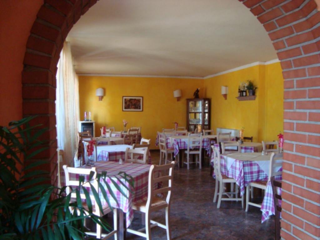 Negozio / Locale in vendita a Lamporecchio, 20 locali, prezzo € 320.000 | CambioCasa.it