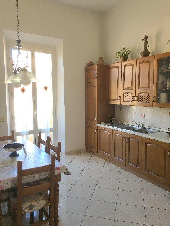 Appartamento in vendita a Livorno, 6 locali, prezzo € 260.000 | CambioCasa.it