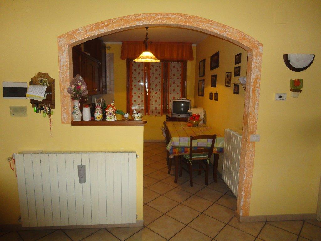 Appartamento in vendita a Peccioli, 4 locali, prezzo € 125.000 | CambioCasa.it