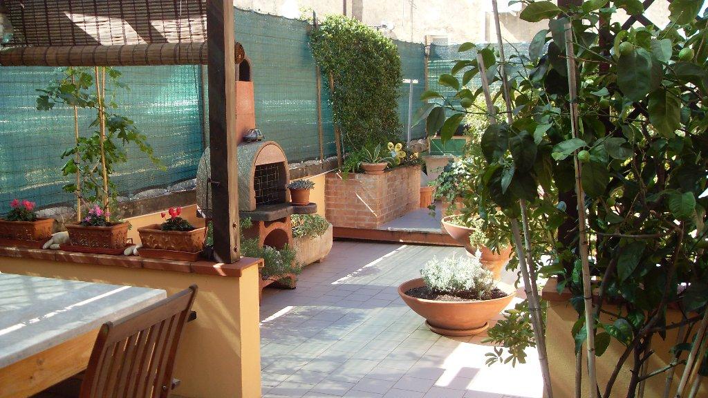 Appartamento in vendita a Livorno, 5 locali, prezzo € 225.000 | CambioCasa.it