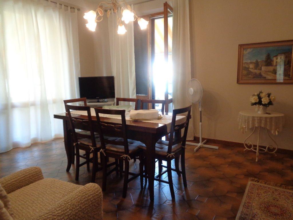 Villa in vendita a Empoli, 7 locali, prezzo € 550.000 | CambioCasa.it
