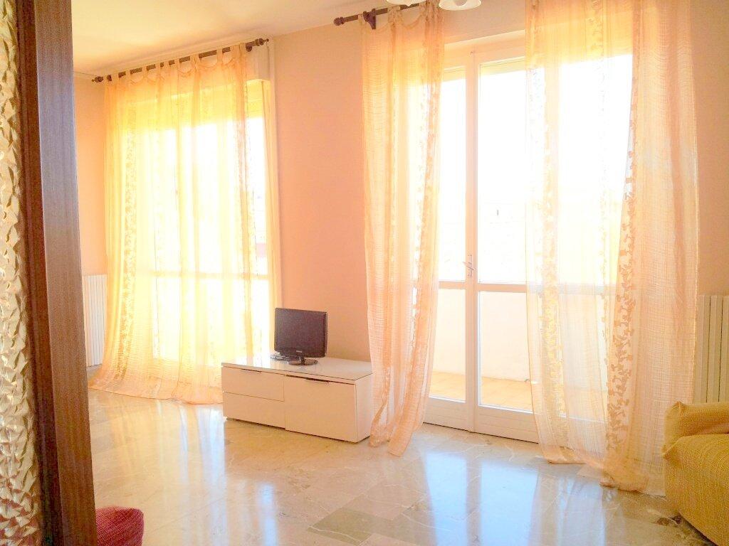 Appartamento in vendita a Livorno, 5 locali, prezzo € 280.000 | CambioCasa.it