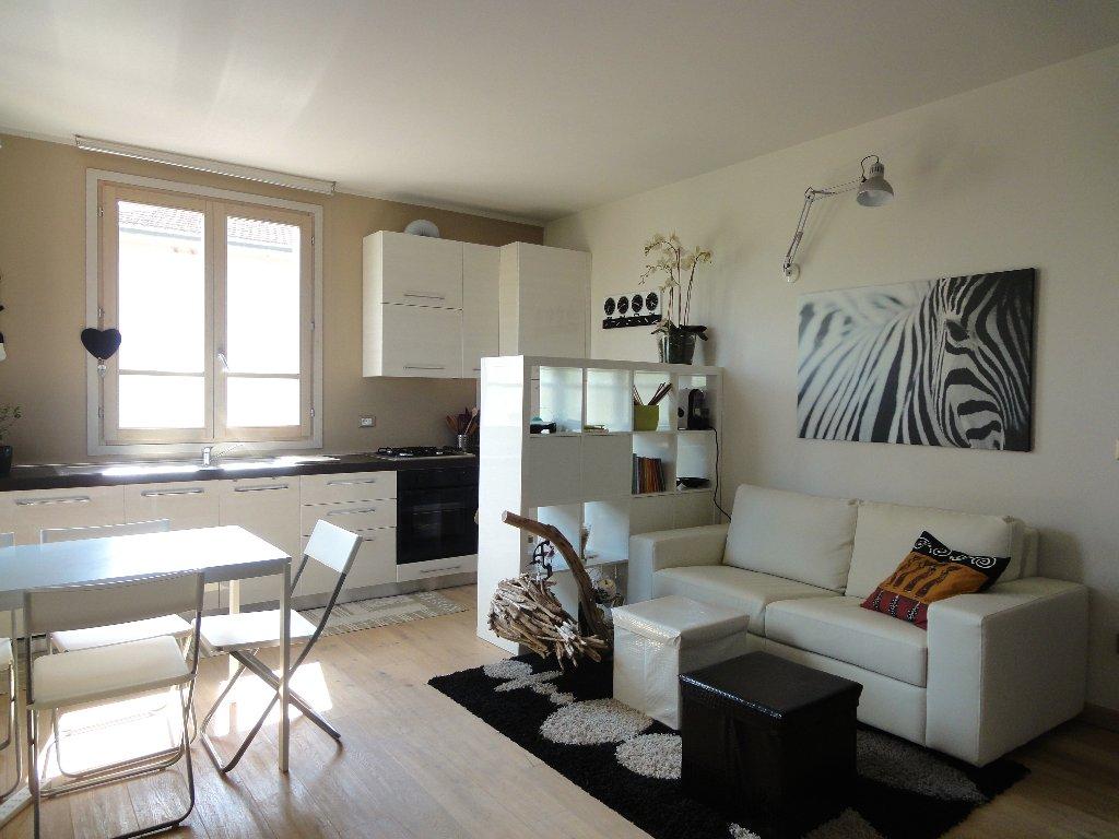 Appartamento in vendita a Pontedera, 3 locali, prezzo € 175.000 | CambioCasa.it