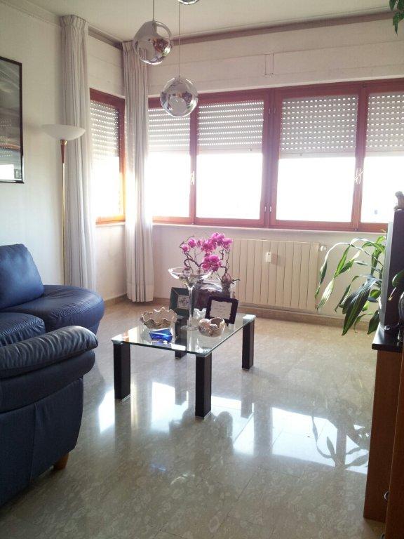 Appartamento in vendita a Livorno, 6 locali, prezzo € 210.000 | CambioCasa.it