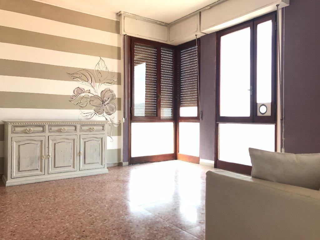Appartamento in vendita a Pontedera, 3 locali, prezzo € 115.000 | CambioCasa.it