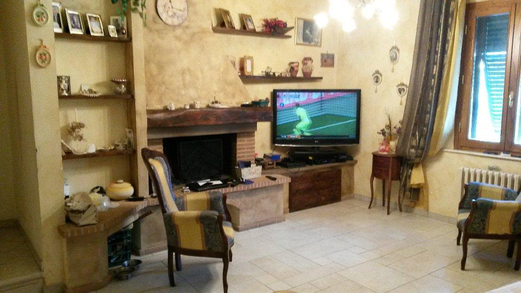 Appartamento in vendita a Cascina