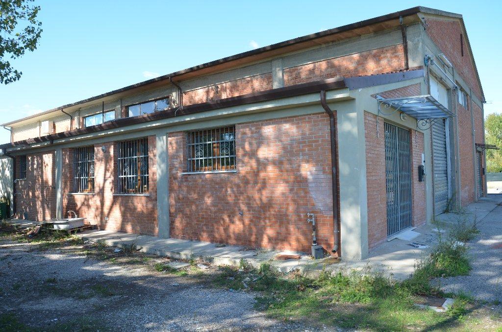Locale comm.le/Fondo in vendita, rif. 579