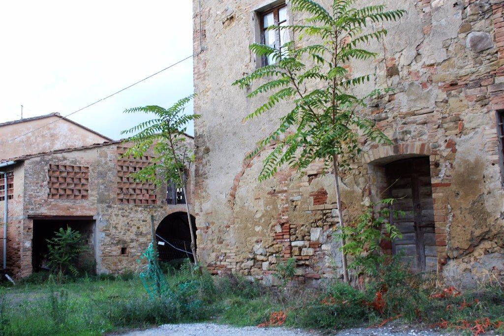 Rustico / Casale in vendita a Poggibonsi, 10 locali, prezzo € 380.000 | CambioCasa.it