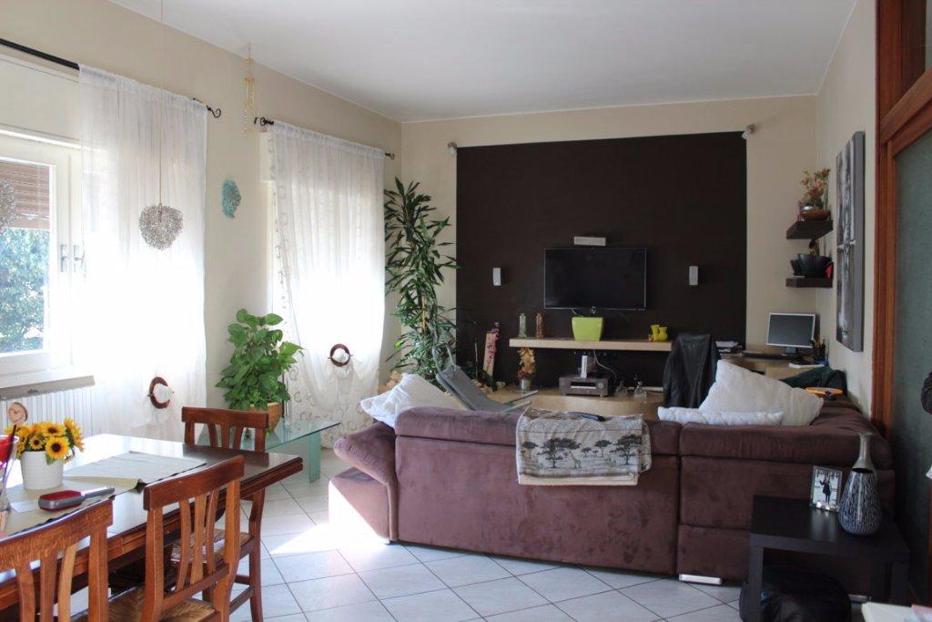 Appartamento in vendita a Pistoia, 5 locali, prezzo € 220.000 | CambioCasa.it