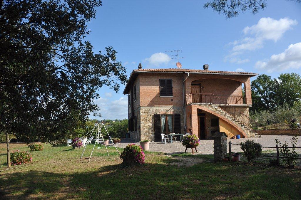 Villa in vendita a Poggibonsi, 8 locali, prezzo € 850.000   CambioCasa.it