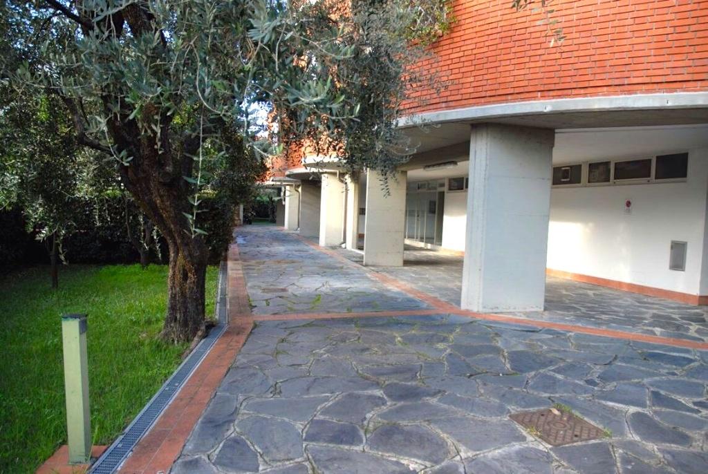Appartamento in affitto a Massa, 5 locali, prezzo € 800 | CambioCasa.it