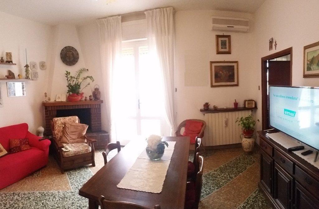 Appartamento in vendita a Cascina, 5 locali, prezzo € 190.000   CambioCasa.it