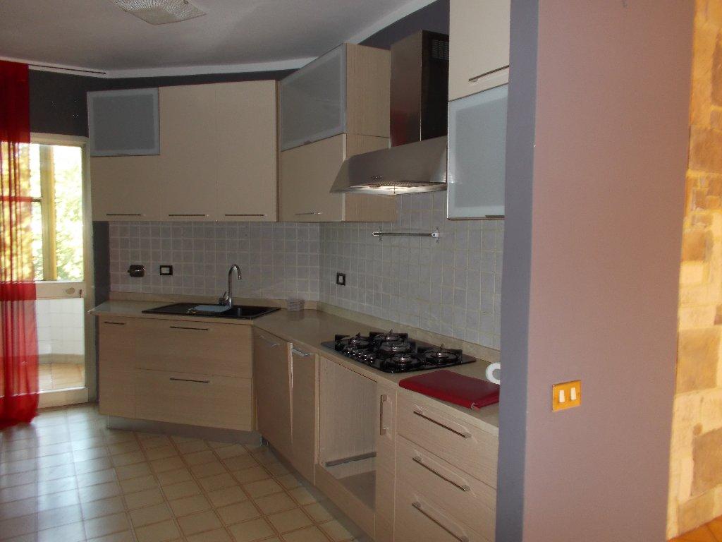 Appartamento in vendita a Fauglia, 5 locali, prezzo € 150.000 | CambioCasa.it