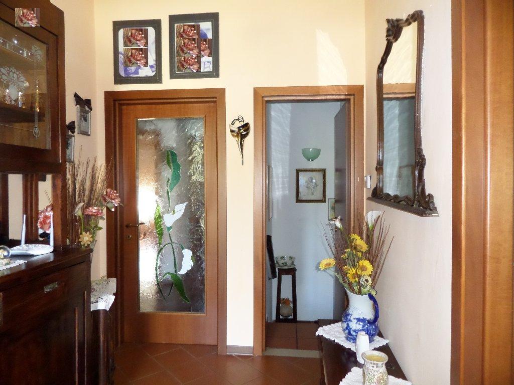 Soluzione Indipendente in vendita a Santa Maria a Monte, 9 locali, prezzo € 380.000 | CambioCasa.it