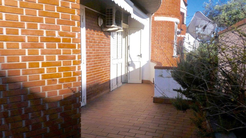 Appartamento in affitto a Massa, 6 locali, prezzo € 800 | CambioCasa.it