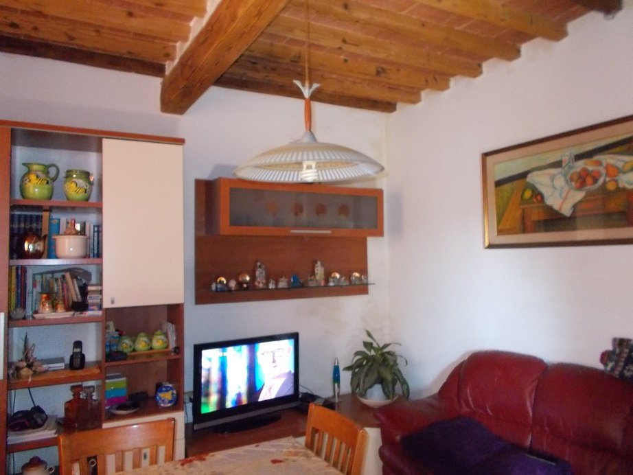 Rustico / Casale in vendita a Vecchiano, 5 locali, prezzo € 210.000 | CambioCasa.it