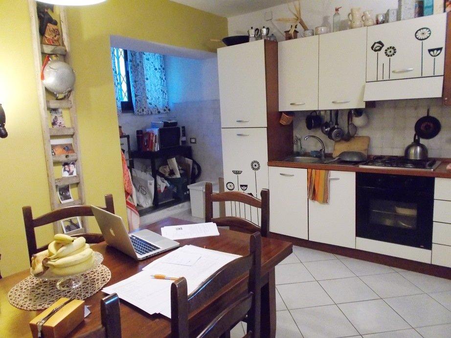 Appartamento in vendita a Vicopisano, 3 locali, prezzo € 100.000 | CambioCasa.it