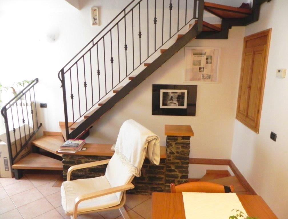 Soluzione Indipendente in affitto a Massa, 4 locali, prezzo € 550 | CambioCasa.it