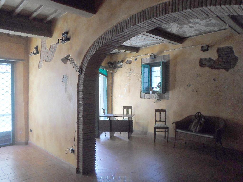 Negozio / Locale in affitto a Santa Croce sull'Arno, 2 locali, prezzo € 350 | CambioCasa.it