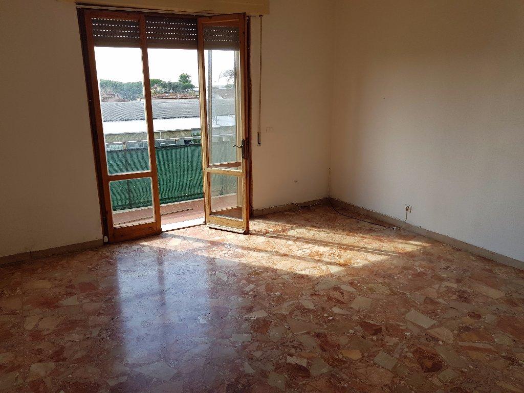Appartamento in affitto a San Giuliano Terme, 4 locali, prezzo € 750 | CambioCasa.it