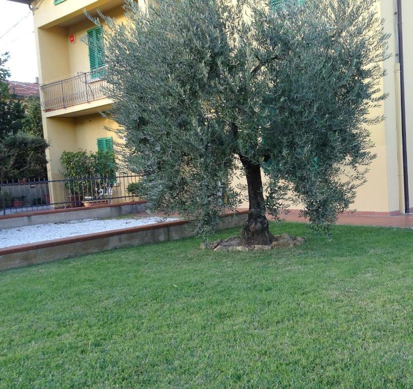 Soluzione Semindipendente in vendita a Quarrata, 4 locali, prezzo € 165.000 | CambioCasa.it