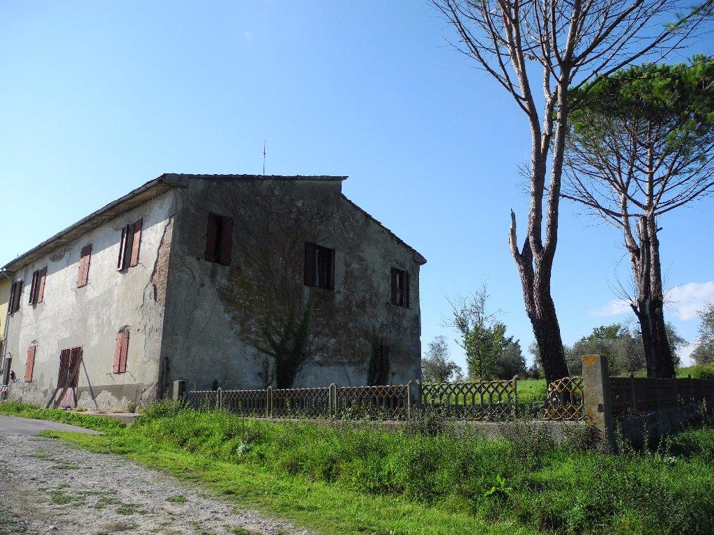 Rustico / Casale in vendita a Cerreto Guidi, 12 locali, prezzo € 290.000   CambioCasa.it