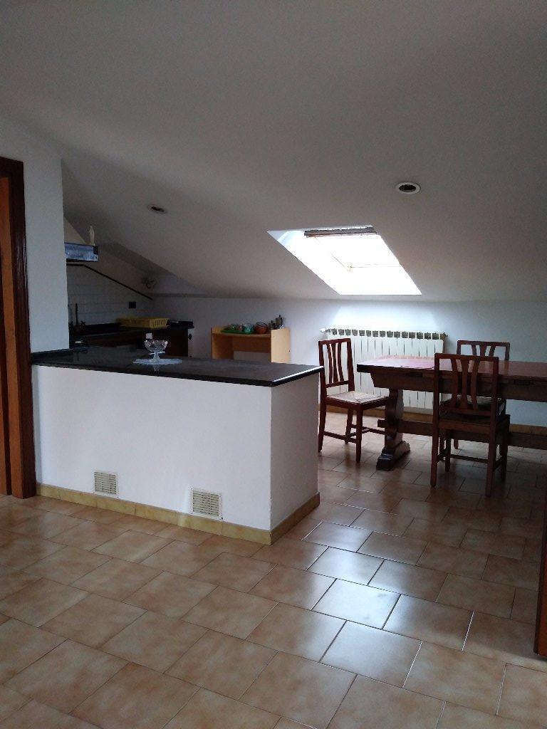 Attico / Mansarda in affitto a Massa, 5 locali, prezzo € 650 | CambioCasa.it