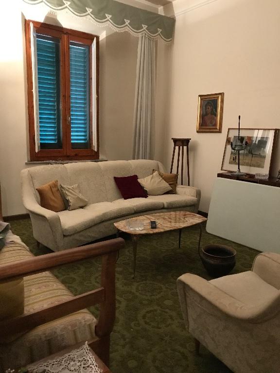 Soluzione Indipendente in vendita a Empoli, 5 locali, prezzo € 400.000 | CambioCasa.it