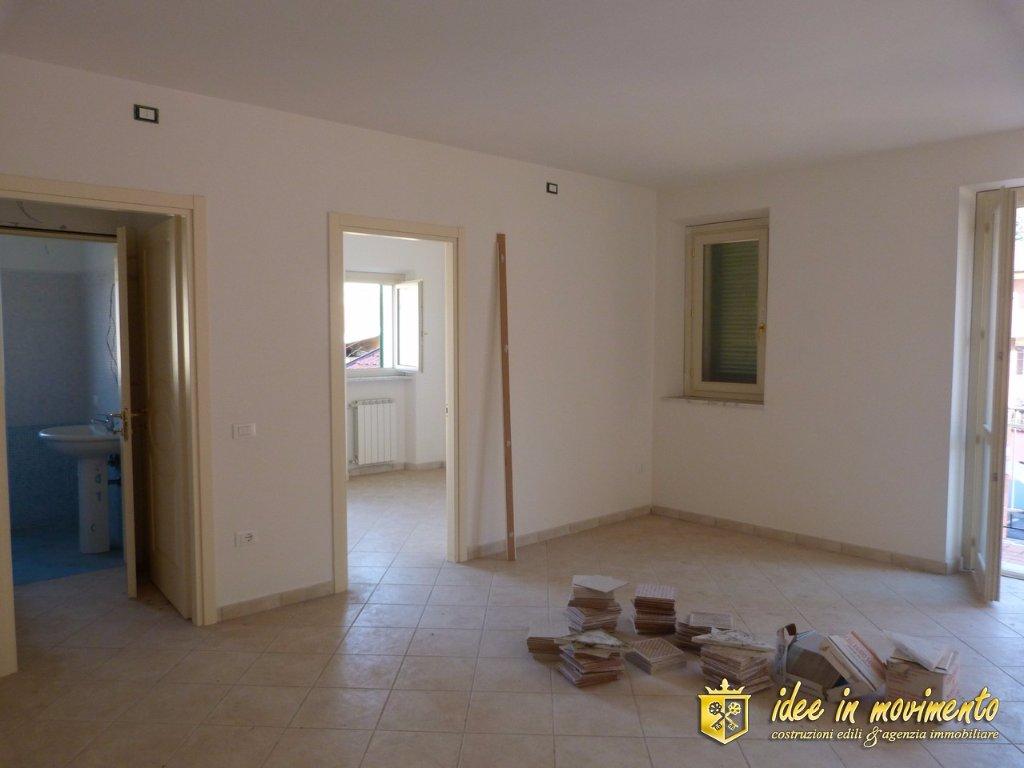 Appartamento in vendita a Mirteto, Massa
