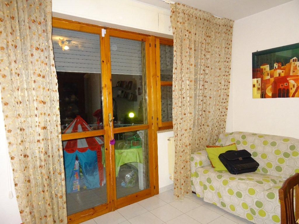 Appartamento in vendita a San Giuliano Terme, 4 locali, prezzo € 140.000   CambioCasa.it