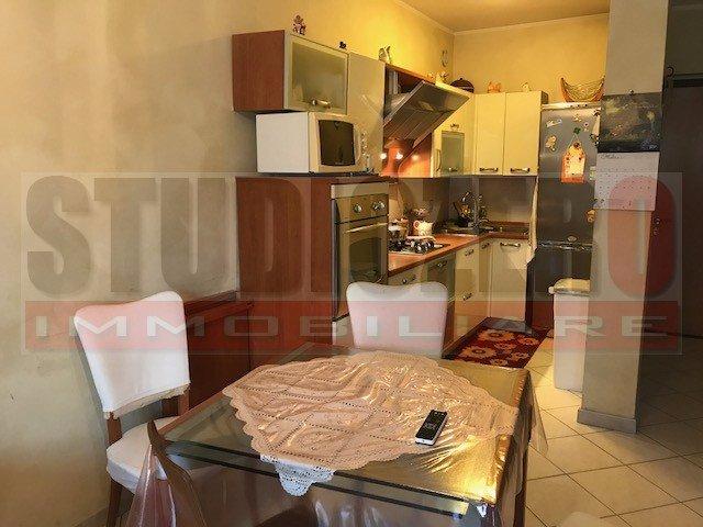Appartamento in vendita a Uzzano, 5 locali, prezzo € 99.000 | CambioCasa.it